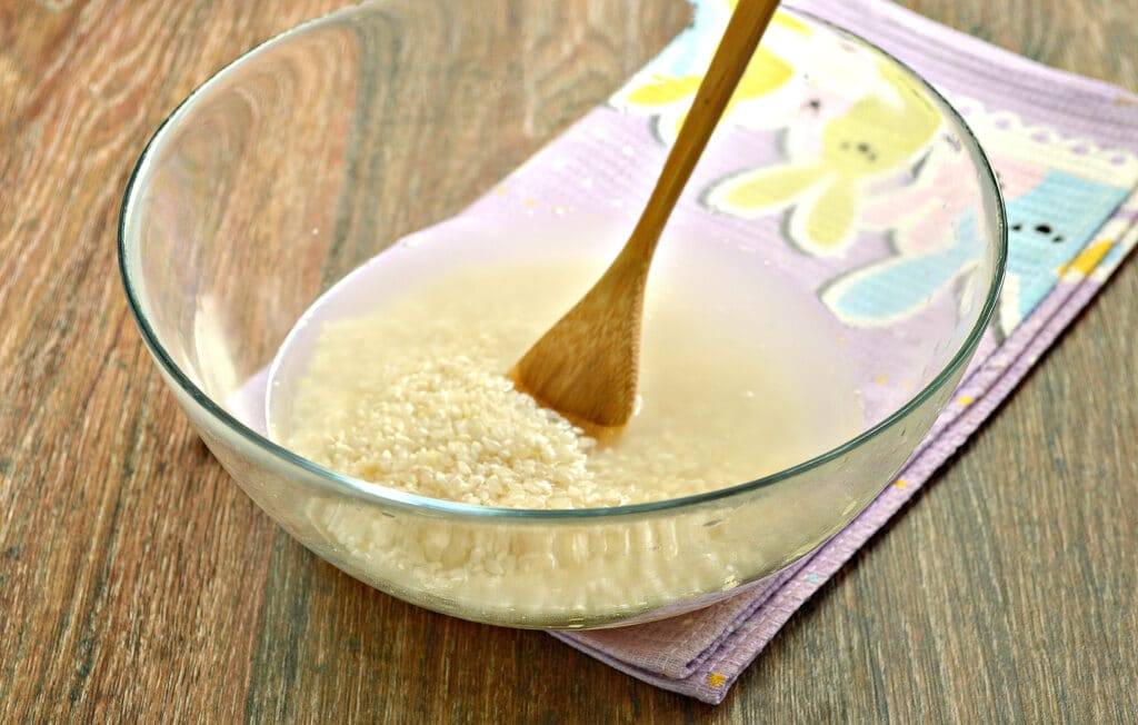 Фото рецепта - Рисовая каша на молоке в мультиварке - шаг 1