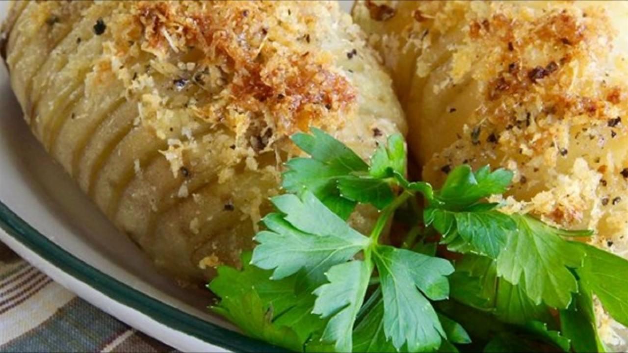Запеченный картофель-гармошка с сыром