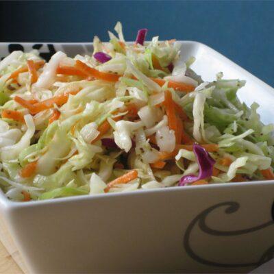 Салат из маринованной капусты - рецепт с фото