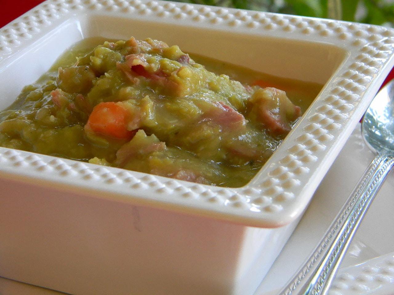 Гороховый суп на кости