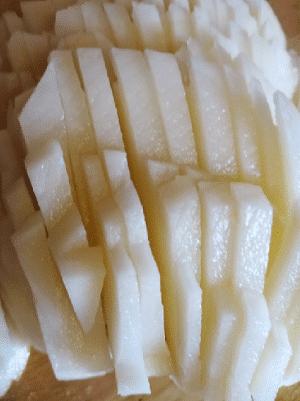 Фото рецепта - Белый картофель, быстро тушеный - шаг 1