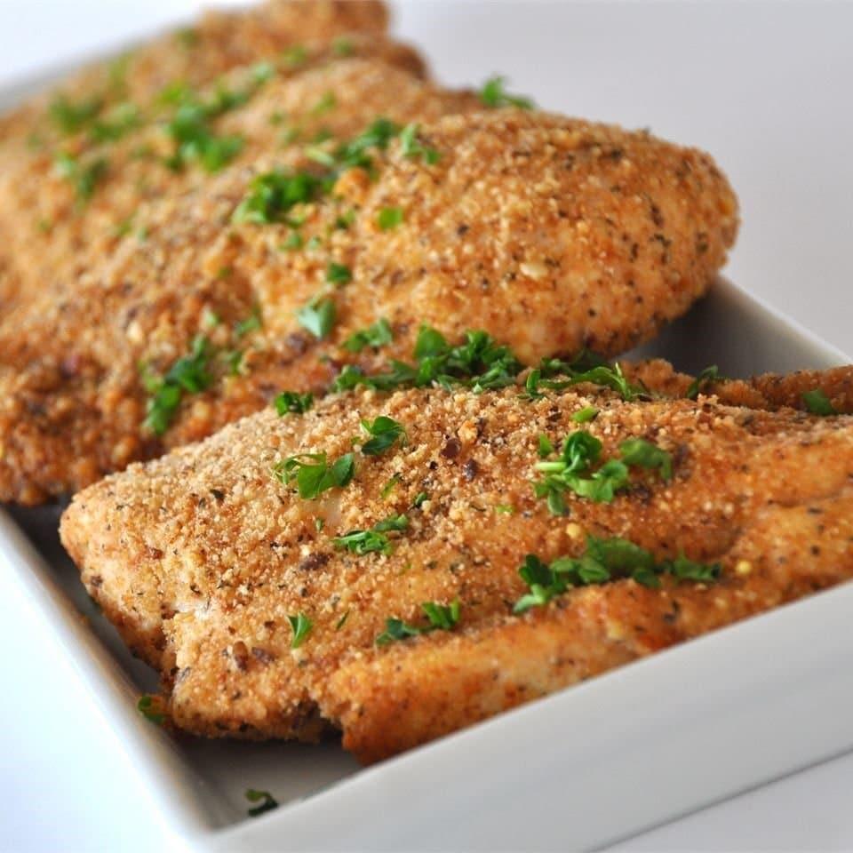 Самая вкусная запеченная курица с чесноком и сыром