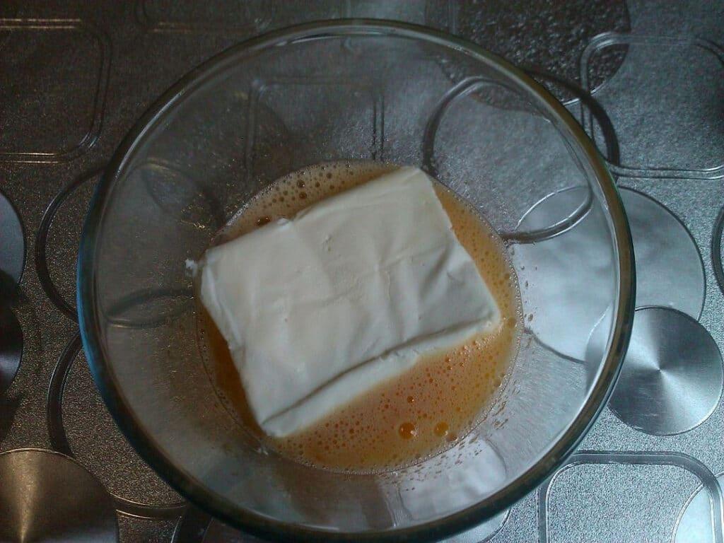 Фото рецепта - Сырники в духовке - шаг 2