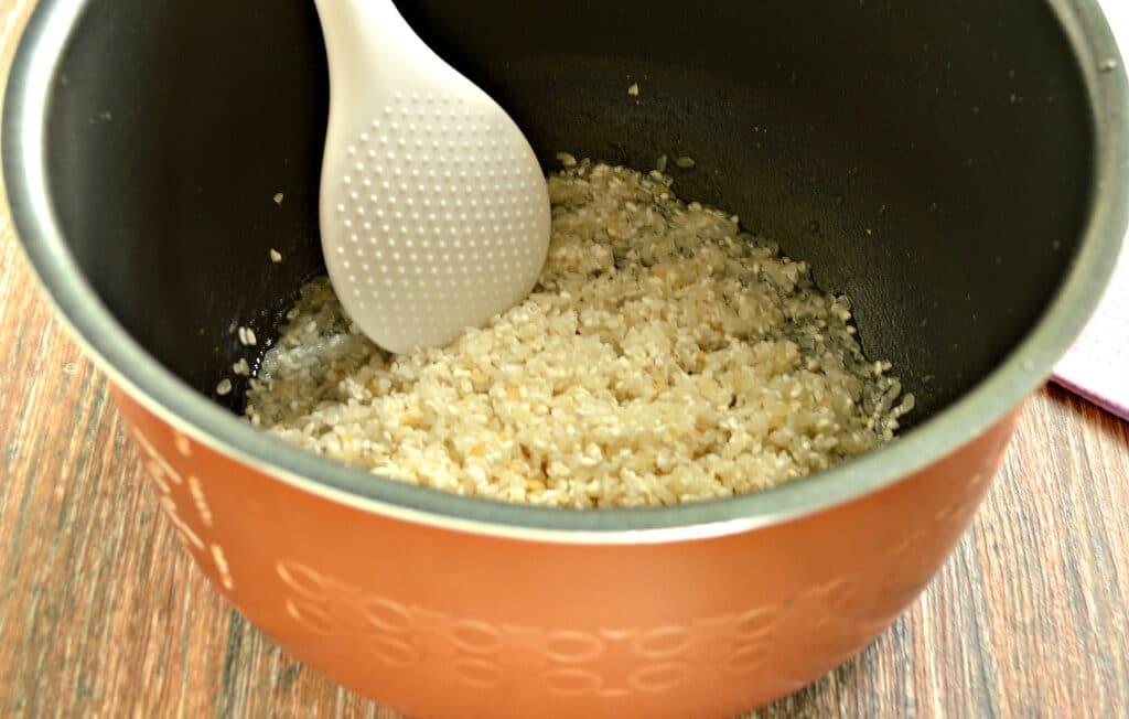 Фото рецепта - Рисовая каша на молоке в мультиварке - шаг 2