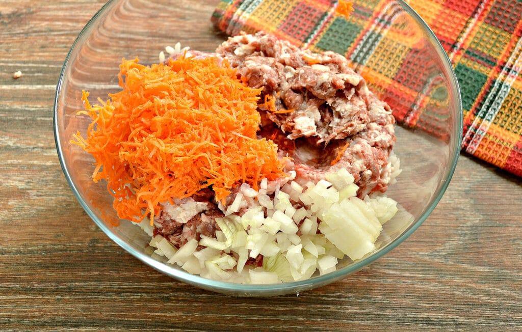 Фото рецепта - Фаршированный перец на сковороде - шаг 2