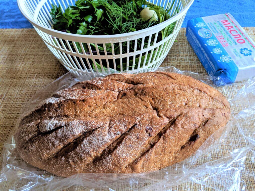 Фото рецепта - Оригинальный хлеб с чесноком и сыром - шаг 1