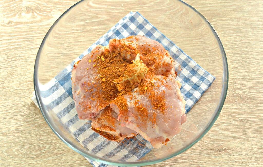 Фото рецепта - Тушеные куриные бедра в мультиварке - шаг 3