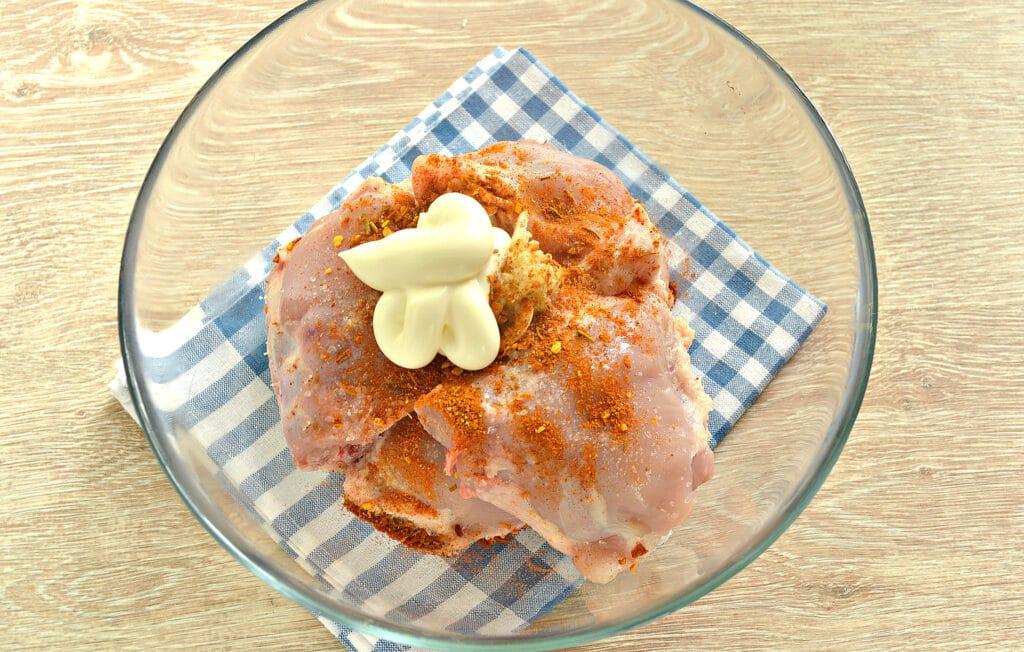 Фото рецепта - Тушеные куриные бедра в мультиварке - шаг 4