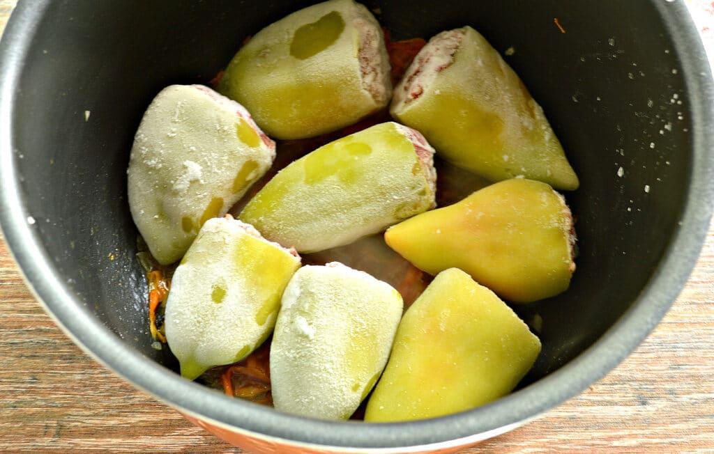 Фото рецепта - Замороженные фаршированные перцы в мультиварке - шаг 4