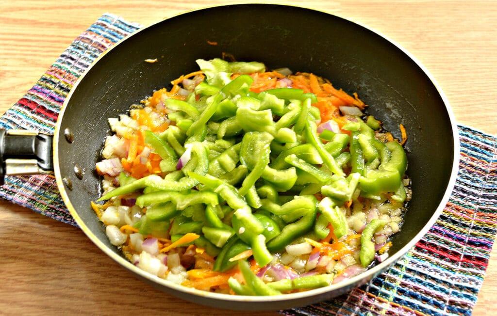 Фото рецепта - Щи с болгарским перцем - шаг 4