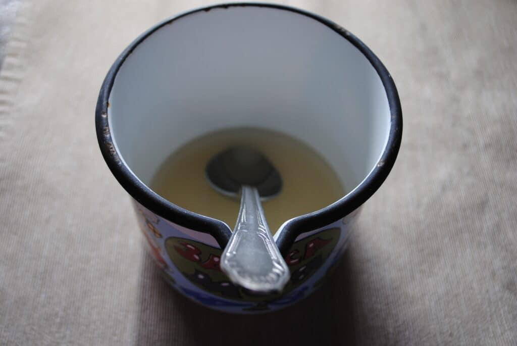 Фото рецепта - Глазурь для куличей без белка - шаг 2