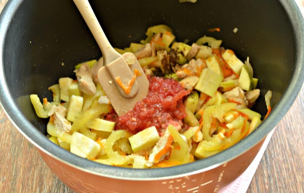 Фото рецепта - Овощное рагу с курицей и кабачками в мультиварке - шаг 5