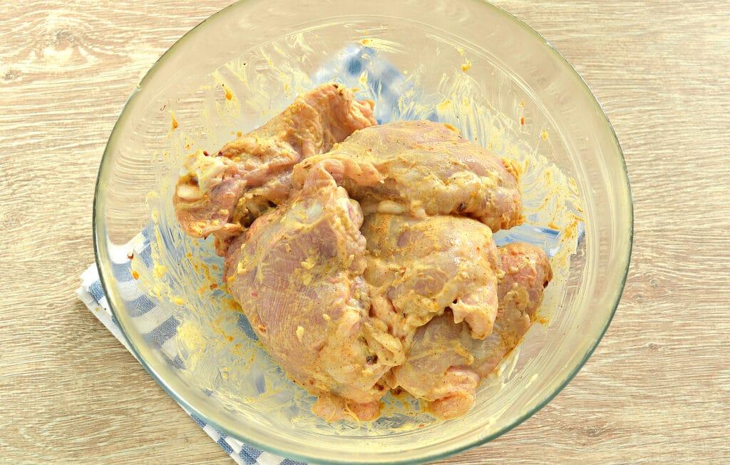 Фото рецепта - Тушеные куриные бедра в мультиварке - шаг 5