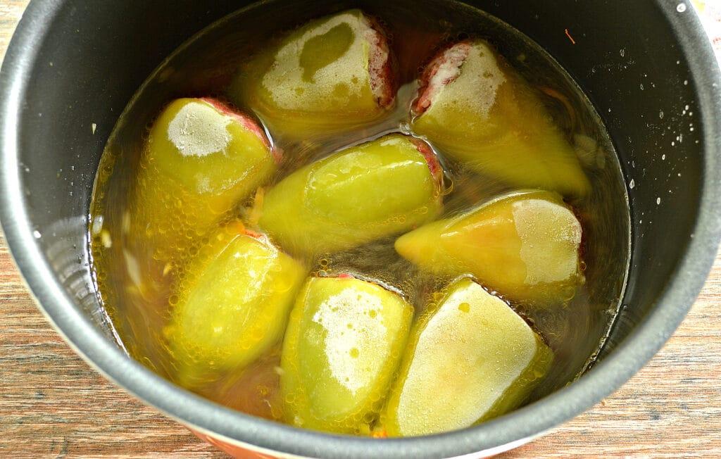 Фото рецепта - Замороженные фаршированные перцы в мультиварке - шаг 5