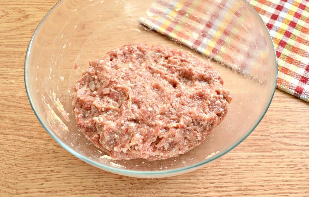 Фото рецепта - Биточки из мясного фарша с кабачками - шаг 5
