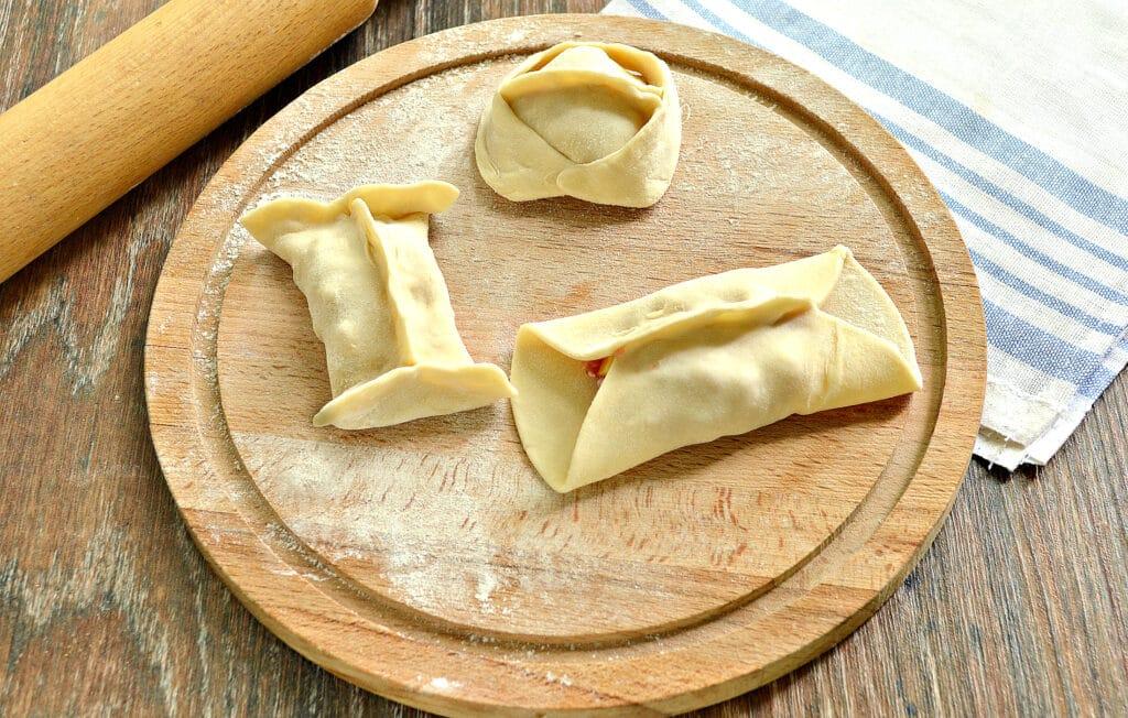 Фото рецепта - Манты с говядиной и салом - шаг 6