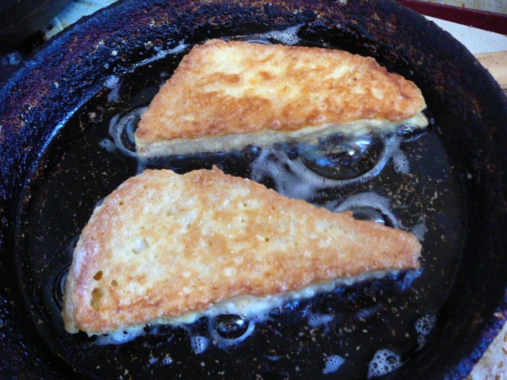 Фото рецепта - Гренка-бутерброд - шаг 5