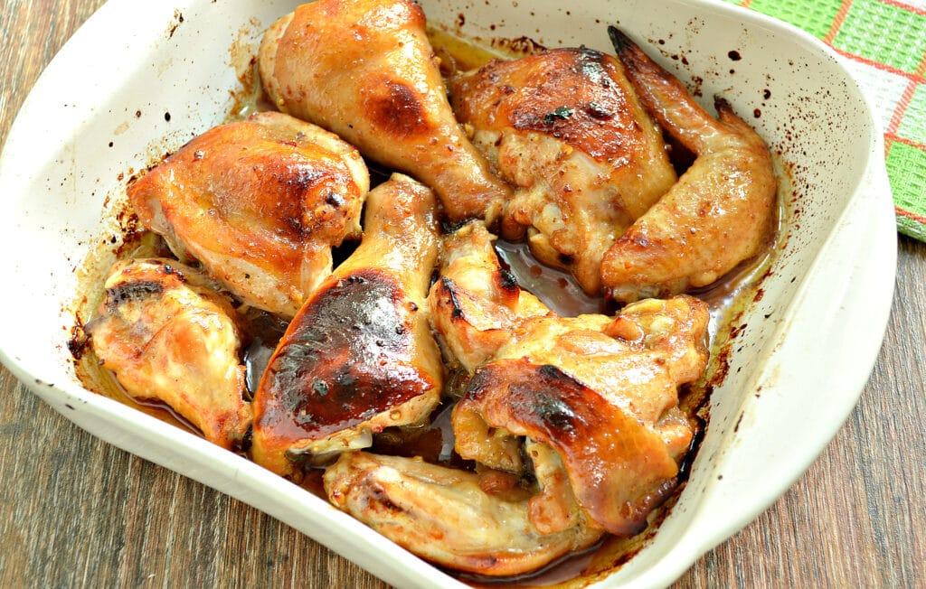 Фото рецепта - Курица в медовом чесночном маринаде в духовке - шаг 7
