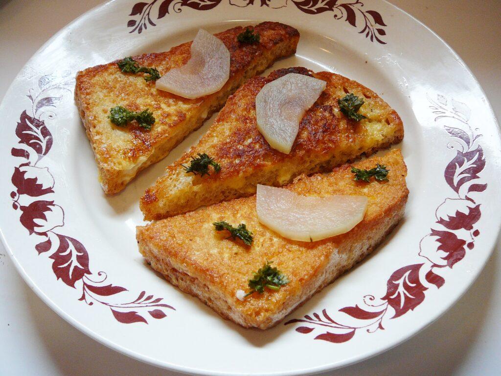 Фото рецепта - Гренка-бутерброд - шаг 6
