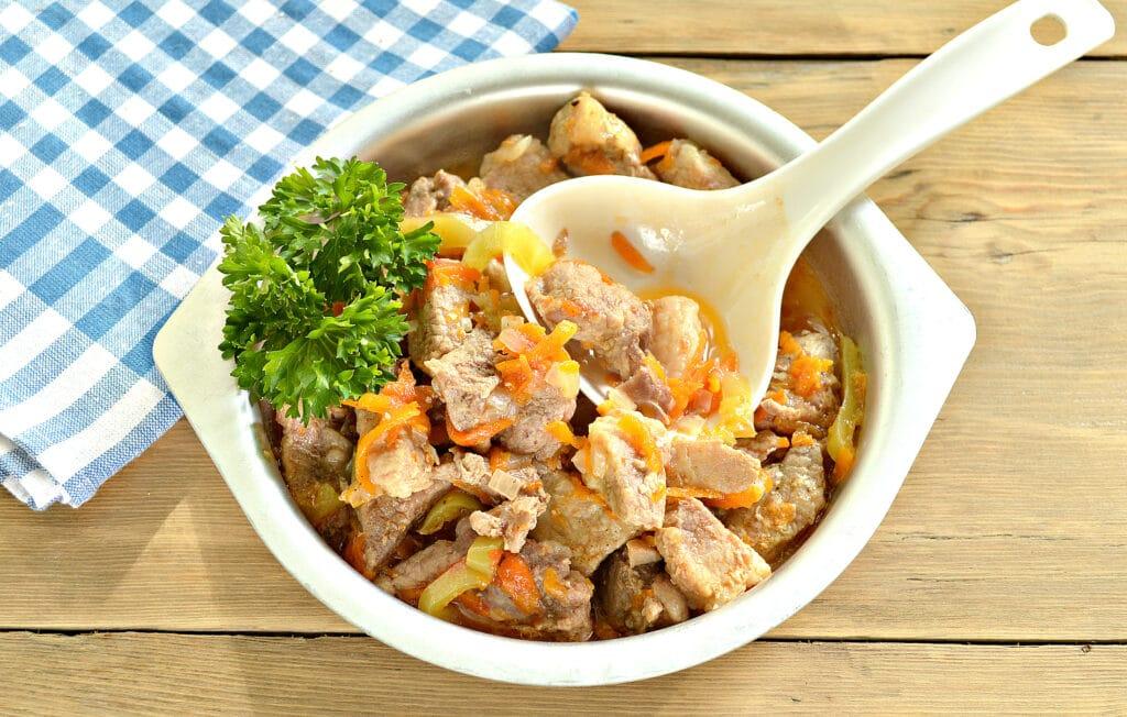 Фото рецепта - Подлива из свинины с овощами в мультиварке - шаг 7