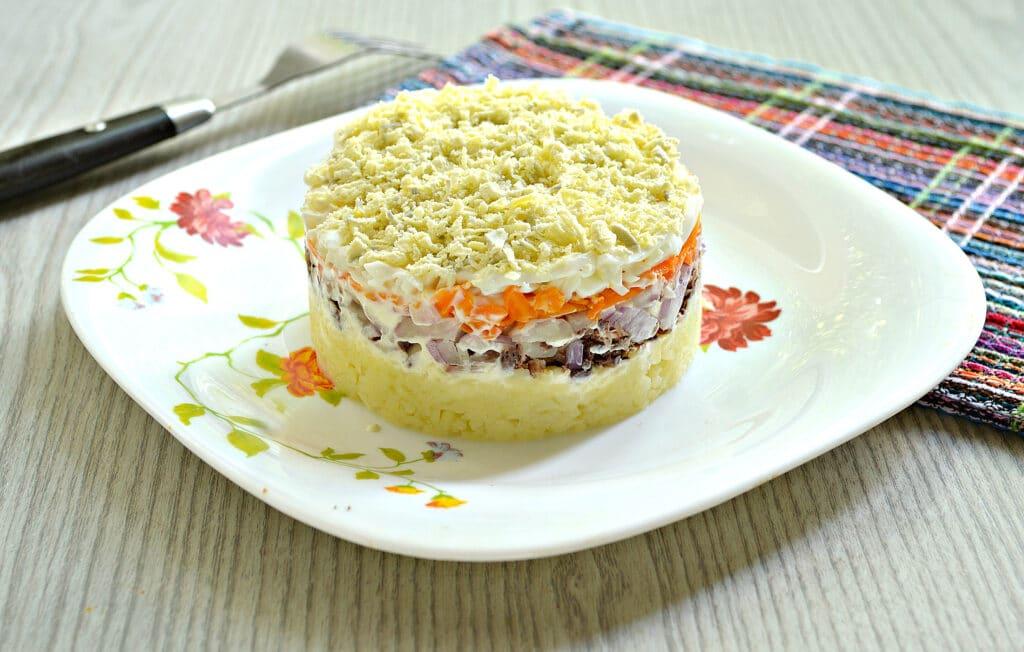 Фото рецепта - Слоёный салат мимоза с консервированным тунцом - шаг 7