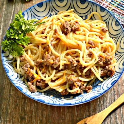 Спагетти с фаршем и овощами на сковороде - рецепт с фото