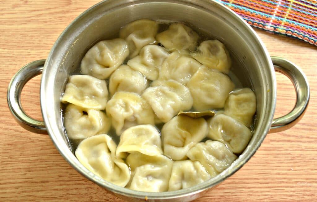 Фото рецепта - Домашние пельмени со смешанным фаршем - шаг 8