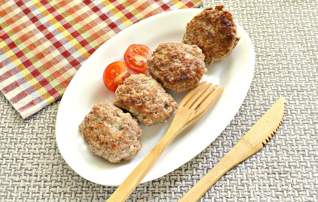 Фото рецепта - Биточки из мясного фарша с кабачками - шаг 8