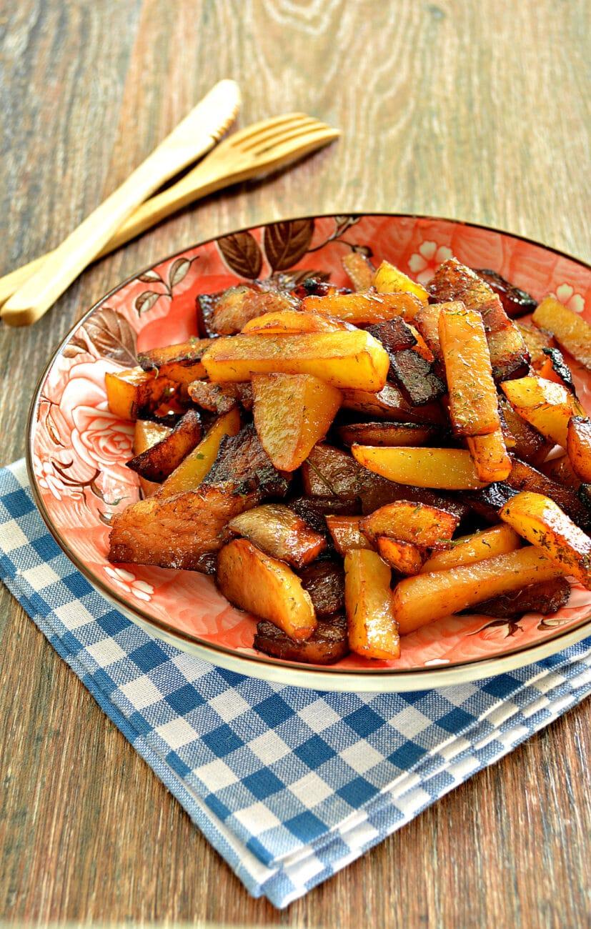Жареный картофель с салом в мультиварке