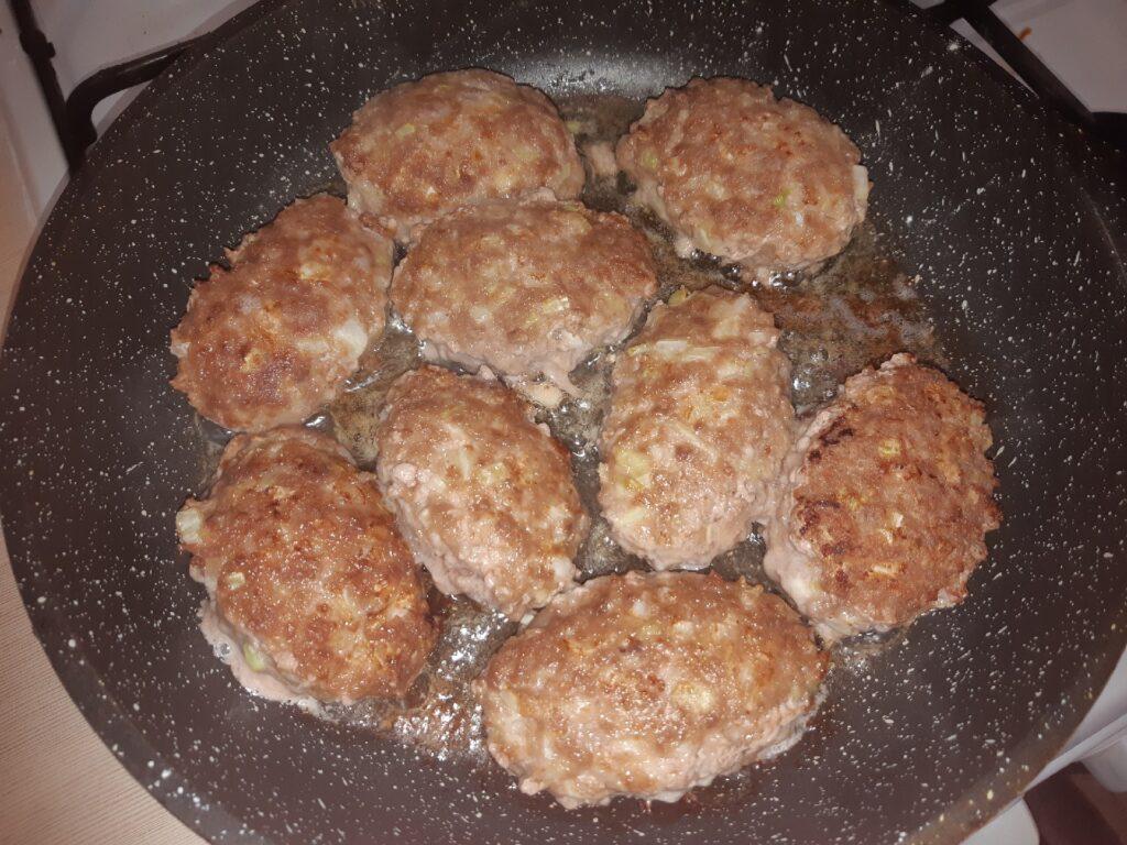Фото рецепта - Ленивые голубцы на сковороде - шаг 8