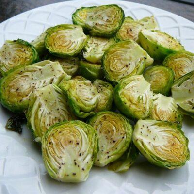 Жареная брюссельская капуста - рецепт с фото