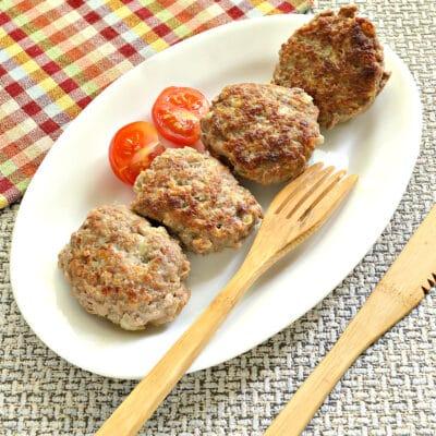 Биточки из мясного фарша с кабачками - рецепт с фото