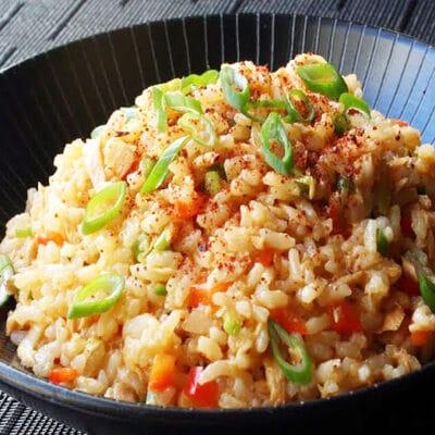 Острый рис с тунцом - рецепт с фото