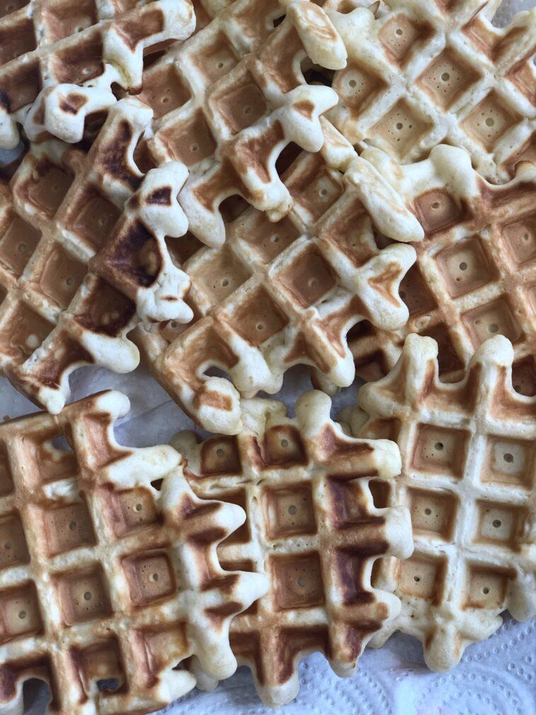 Фото рецепта - Венские вафли на молоке - шаг 10