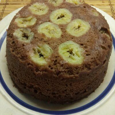 Шоколадный кекс с бананами в микроволновке - рецепт с фото