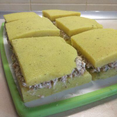 Манная запеканка с сардинами - рецепт с фото