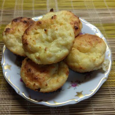 Творожные кексы с мякотью кокоса - рецепт с фото