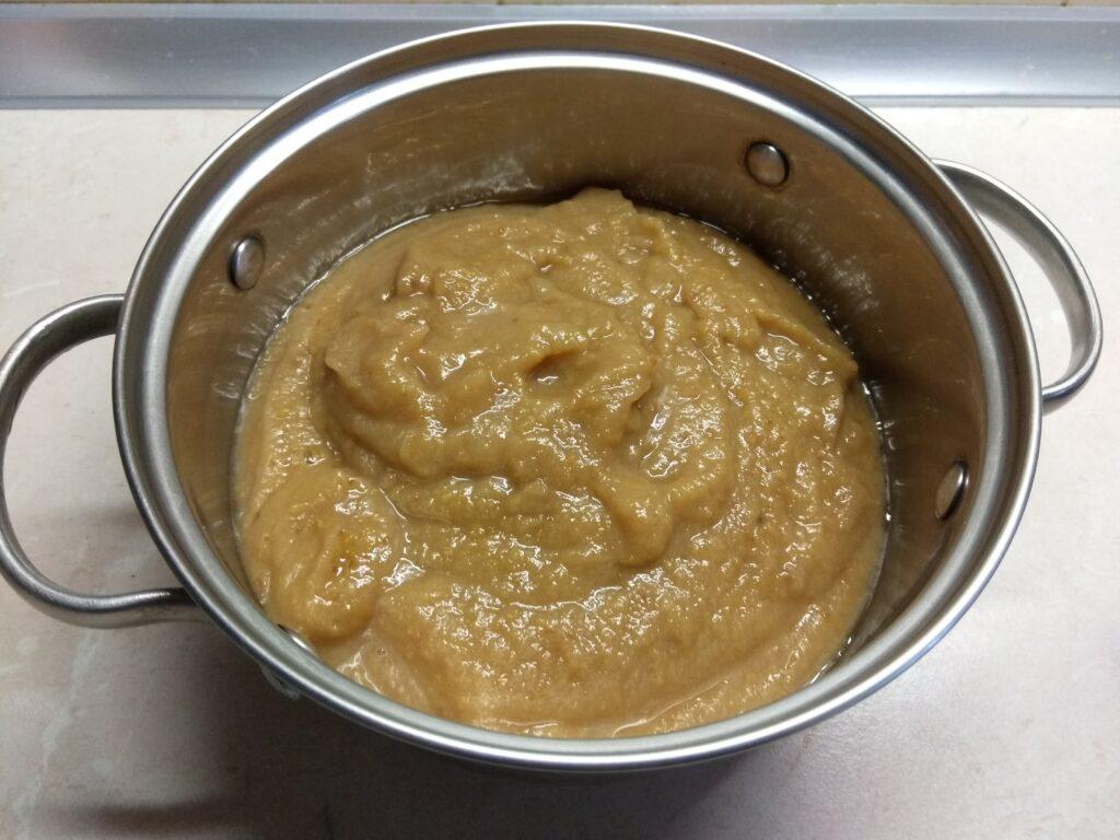 Фото рецепта - Грушевое варенье с корицей, гвоздикой и мускатным орехом - шаг 4