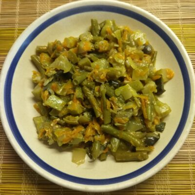 Рагу из кабачков, баклажанов и стручковой фасоли - рецепт с фото