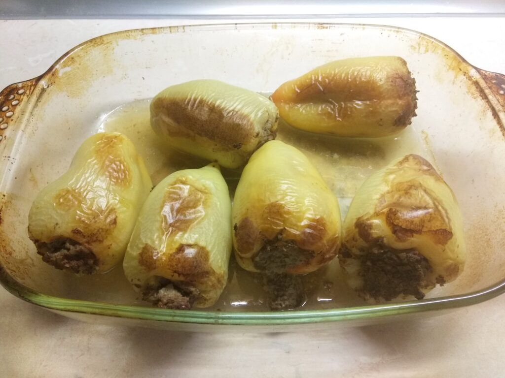 Фото рецепта - Перец, фаршированный гречкой и куриной печенью - шаг 7