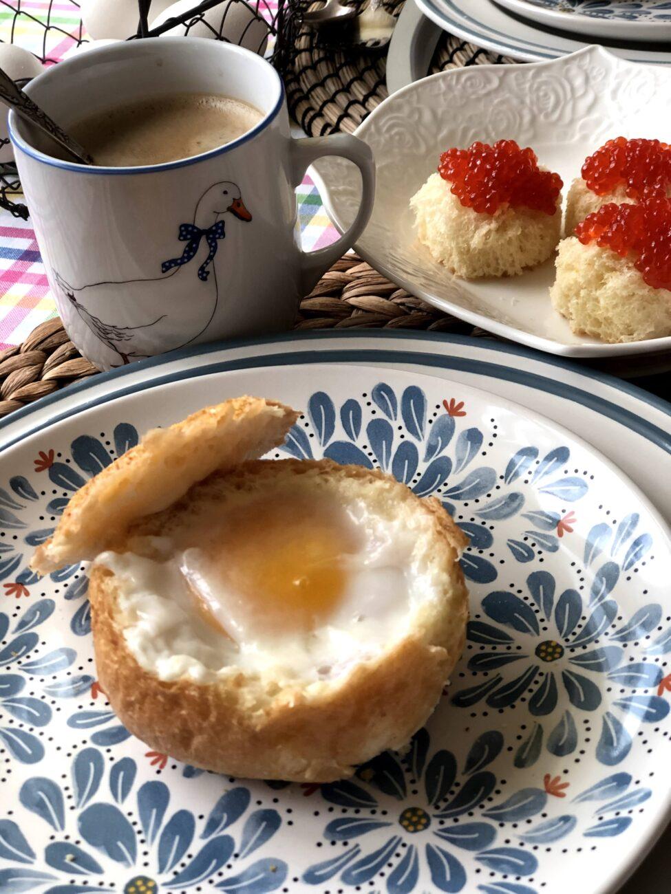 Яичница в булочке (запеченная)
