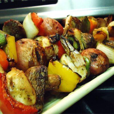 Шашлык из овощей и грибов - рецепт с фото