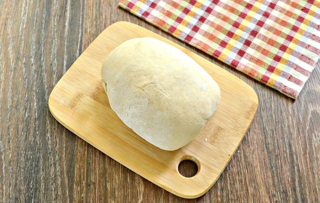 Фото рецепта - Домашние чебуреки с фаршем - шаг 1