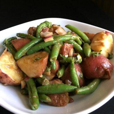 Гарнир-салат из картофеля и стручковой фасоли - рецепт с фото