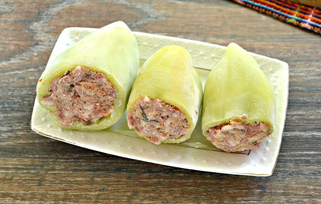 Фото рецепта - Замороженные фаршированные перцы тушеные с овощами - шаг 1