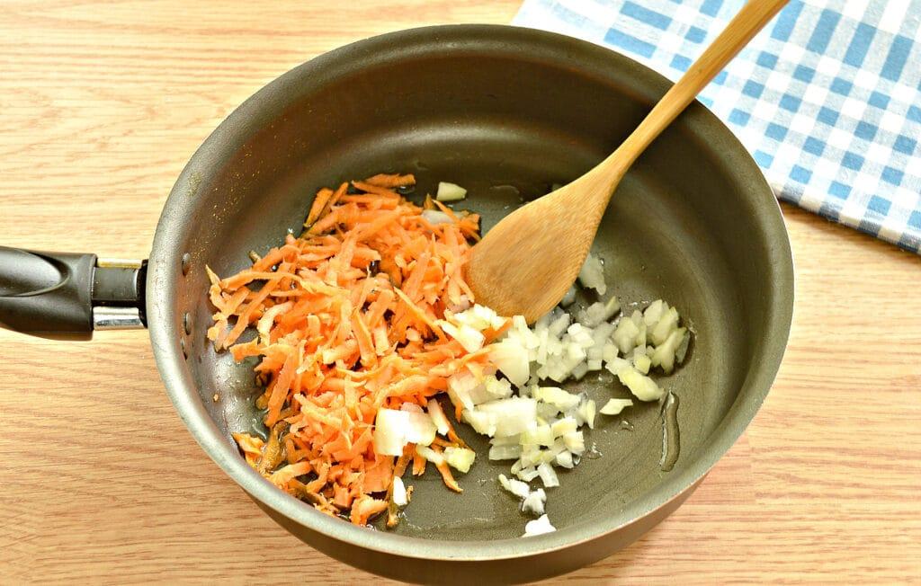 Фото рецепта - Начинка для пирогов из капусты и тыквы - шаг 1