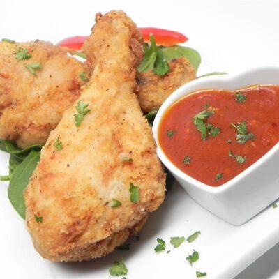Куриные голени с томатно-чесночным соусом - рецепт с фото