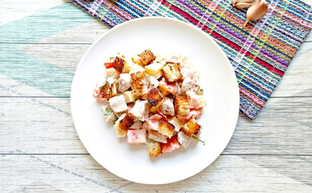 Фото рецепта - Салат с мясом на пару, помидорами и сыром - шаг 10