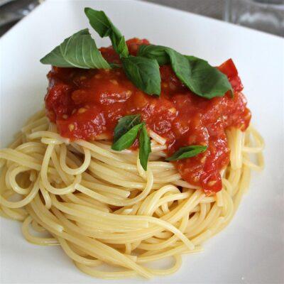 Соус для спагетти из свежих помидоров - рецепт с фото