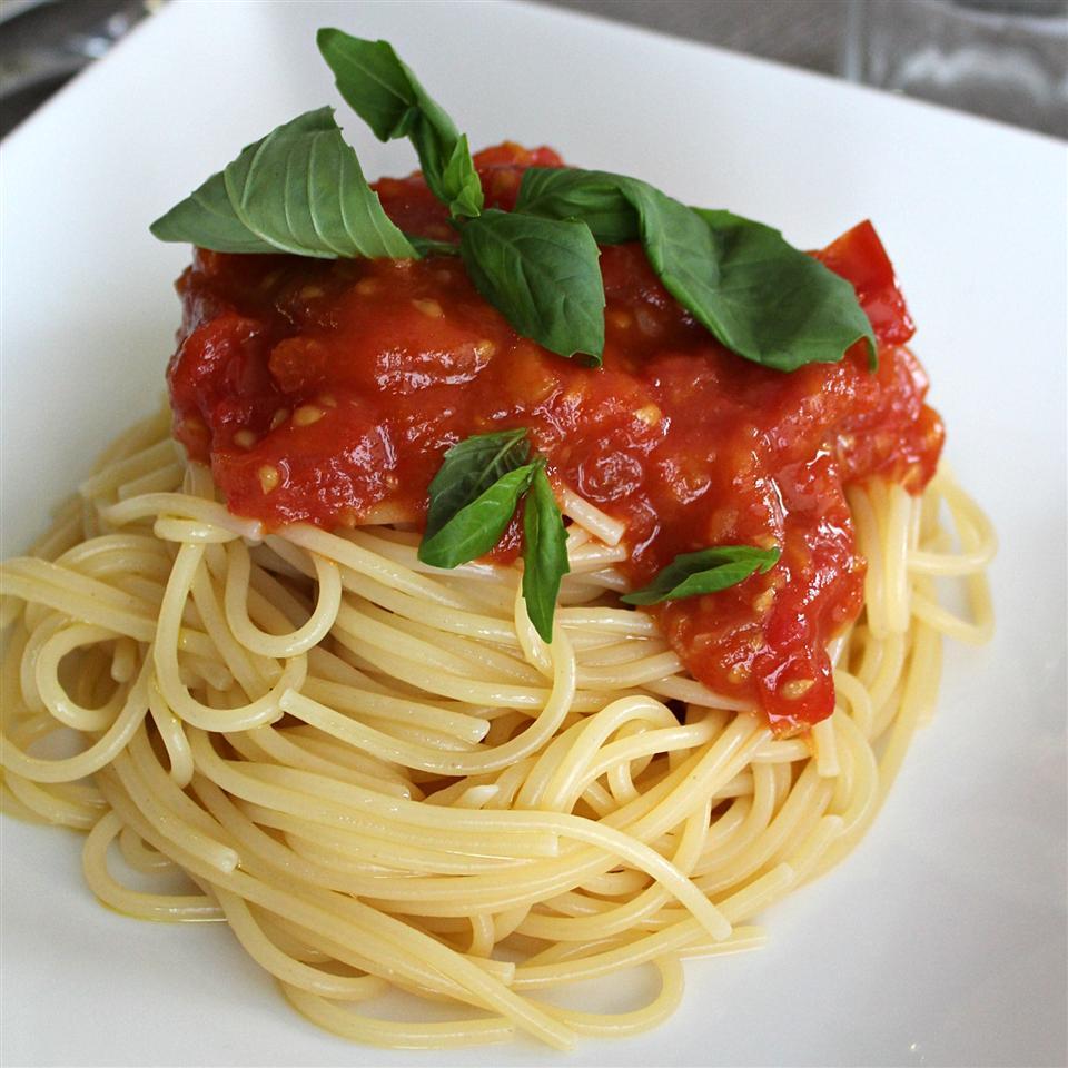 Соус для спагетти из свежих помидоров